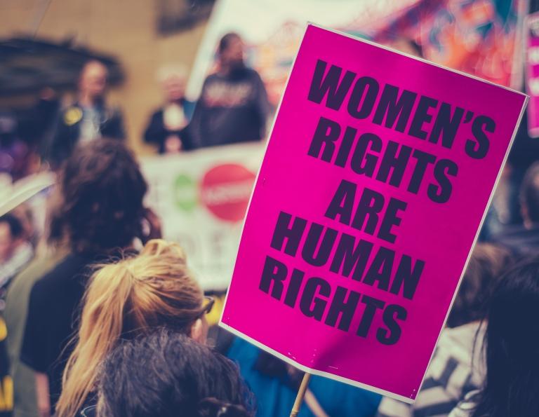 Kuva naisten oikeuksien mielenosoituksesta