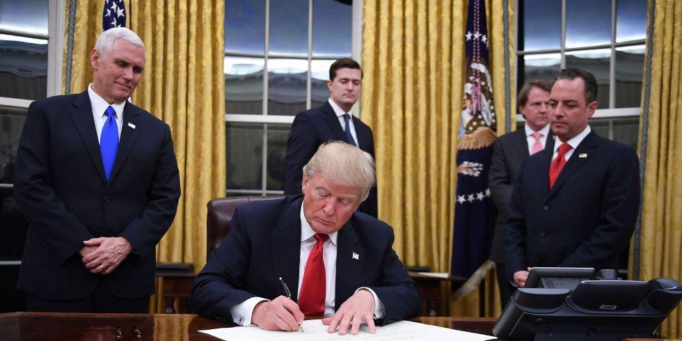 Presidentti Trump allekirjoittaa Global Gag Rulen